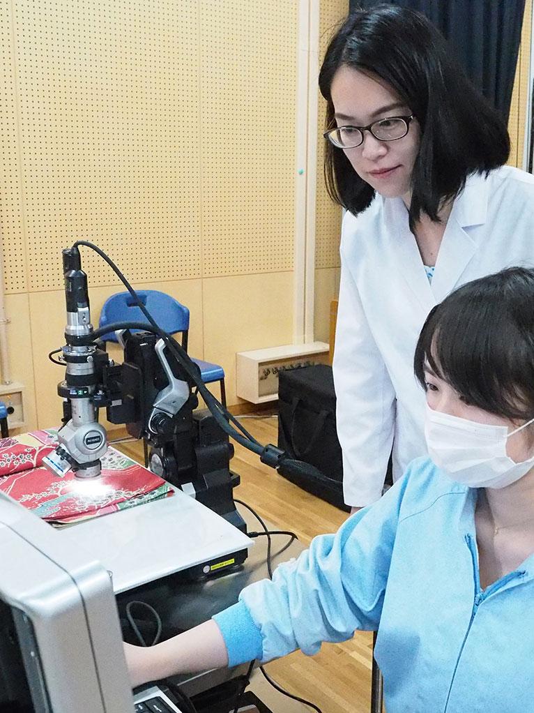 デジタルマイクロスコープによる顔料の調査