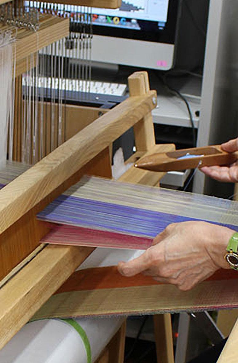 多層織による色材研究